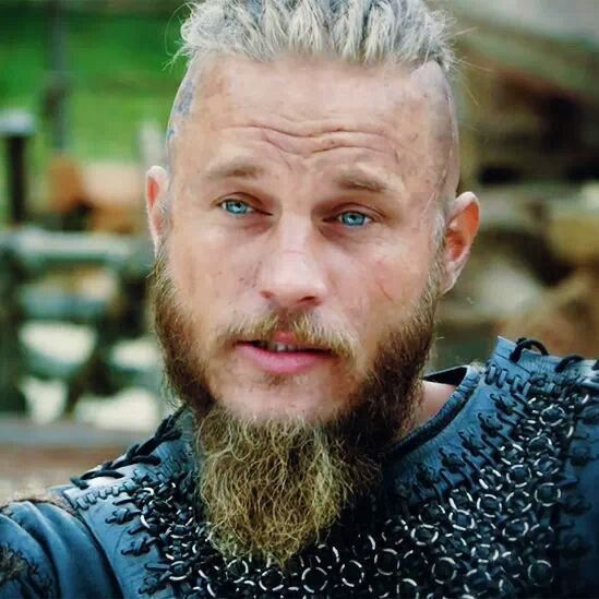 Ragnar Lodbrok played by Australian actor Travis Fimmel.