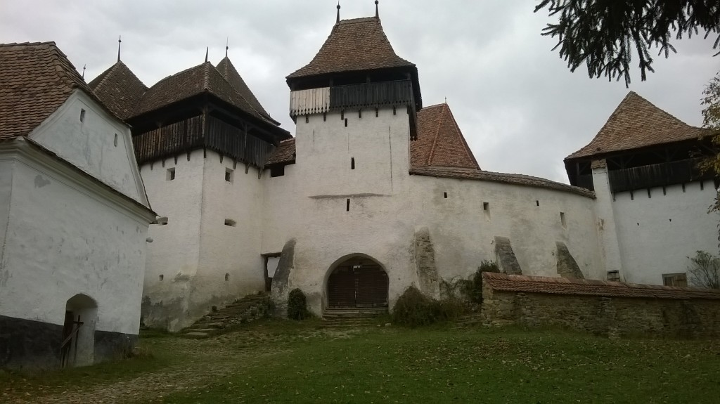 The entrance to the fortified church of Veiskiriχ in October, 2015.