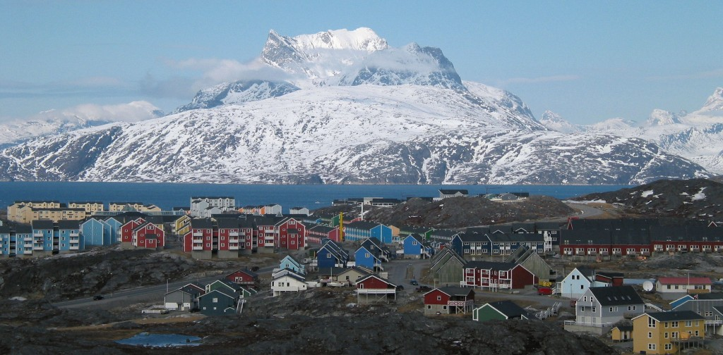 Nuuk cityscape photographed by Oliver Schauf. Image source: www.wikipedia.org