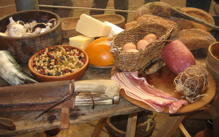 Example of a regular Viking meal. Image source: www.galnet.wikia.com