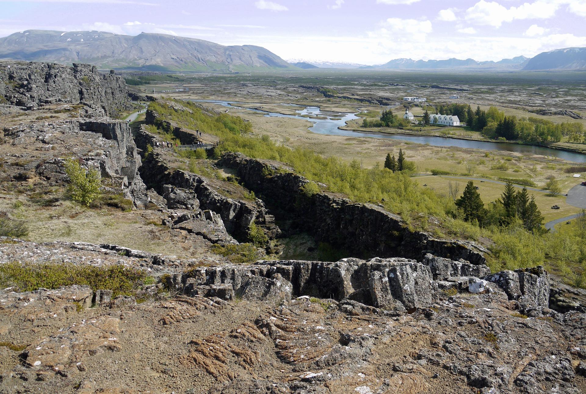 Elevated view of Þingvellir (Thingvellir) in southwestern Iceland. Image source: www.pixabay.com