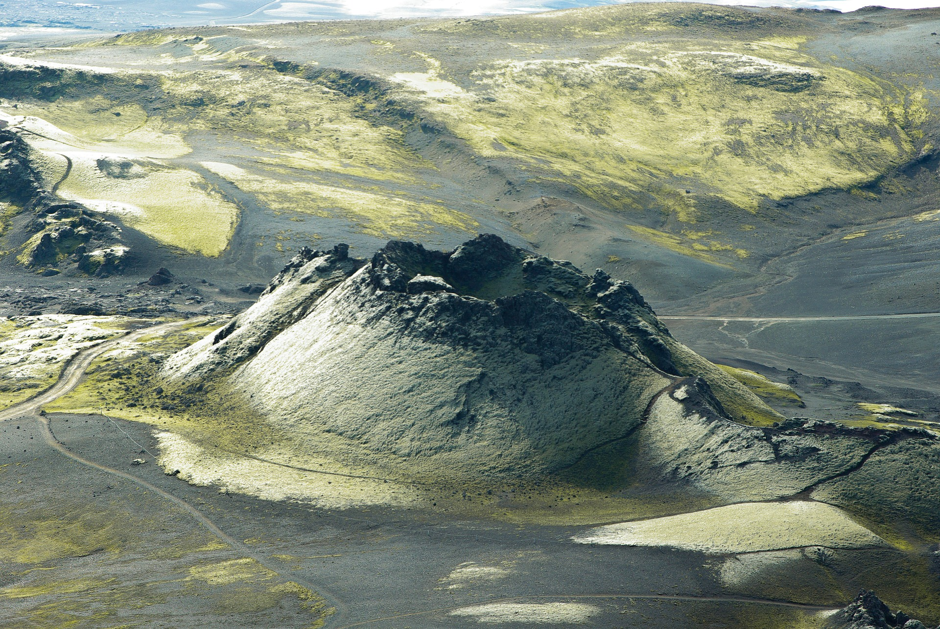 Photograph of a volcanic crater from Laki, southern Iceland